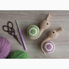 Amigurumi crochet toy snail. Амигуруми. Игрушка крючком вязаная улитка.  #crochet #dollmaker #crochetdoll #handmadedoll #amigurumidoll #crochettoy #amigurumitoy #amigurumi #crochetsnail #amigurumisnail #амигуруми #улиткакрючком #вязанаяулитка #вязание