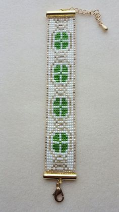 Patricks/Paddys Day Four Leaf Clover Bead Loom Bracelet Loom Bracelet Patterns, Seed Bead Patterns, Beading Patterns, Beaded Braclets, Bead Loom Bracelets, Seed Bead Jewelry, Seed Beads, Native American Beading, Tear