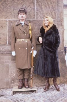 Dalida én Prague 1977 - garde du château