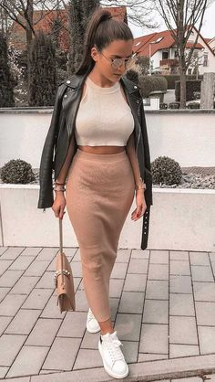 Perfect Outfit Ideas To Wear This Summer Winter Fashion Outfits, Look Fashion, Spring Outfits, Autumn Fashion, Womens Fashion, Mode Outfits, Skirt Outfits, Cute Casual Outfits, Stylish Outfits