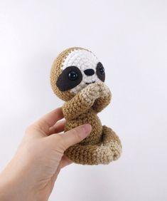 Sammy the Sloth amigurumi by Theresas Crochet Shop