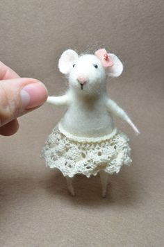 Coquet Little Mouse -  needle felted ornament animal, felting dreams