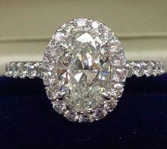 #wedding #diamondring #luxury