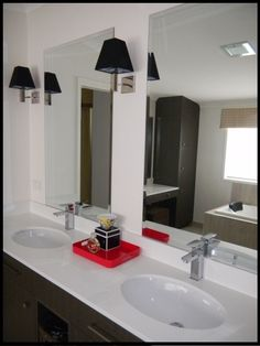 Bathtoom Reno..would look even better to add trim around the mirror.