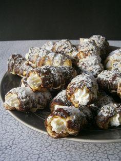 Kakaós-fahéjas minirolók Muffin, Baking, Breakfast, Kitchen, Food, Bread Making, Breakfast Cafe, Cucina, Muffins