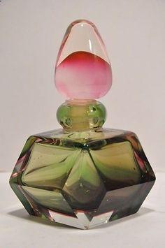 Perfumes Vintage, Antique Perfume Bottles, Vintage Perfume Bottles, Bottle Vase, Bottles And Jars, Glass Bottles, Glas Art, Fru Fru, Beautiful Perfume