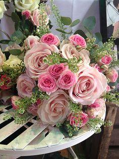 Pretty pink bride bouquet