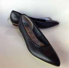 Vintage 1950s Sophisticates Pleather Pointy Flats Deadstock Size 5 on Etsy, $47.00