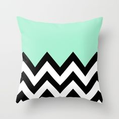 Mint pillow with white and black colorblocking. Perfect for decoration and a great way to add some colour. Chevron Throw Pillows, Cute Pillows, My New Room, My Room, Bedroom Green, Bedroom Decor, Bedroom Ideas, Mint Green Rooms, Home Decor