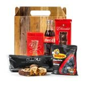 Kerstpakket Cola, Cake en Meer Tapas, Bbq, Cake, Gifts, Chain, Barbecue, Presents, Barbecue Pit, Mudpie