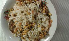 Cum devin vegetarian? Ce şi cum mâncăm?: Tăiței de orez cu legume Grains, Gluten, Rice, Vegetarian, Food, Essen, Yemek, Jim Rice, Meals