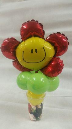 traktatiebeker met rode bloem