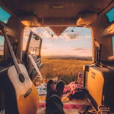 This Guy Lives In A Treehouse And It's All Of Our Childhood Dreams - - This Guy Lives In A Treehouse And It's All Of Our Childhood Dreams Van Life ☮️ American Hippie Bohéme Boho Style ☮️ Wanderlust Van Life, Adventure Awaits, Adventure Travel, Nature Adventure, Adventure Gear, Mundo Hippie, Hippie Vibes, Hippie Bohemian, Bohemian Fashion