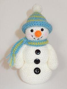 Frosty Freezy and Fred Amigurumi Snowman Trio by mojimojidesign