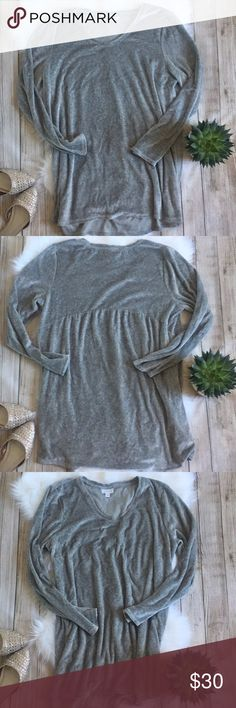 Pure Jill | Soft Gray Tunic Pure Jill Soft Gray Tunic, almost the same feel as velvet but softer! Slight high-low. Absolutely beautiful and perfect for winter! Excellent condition! 48% Pima cotton, 30% modal, 24% polyester. Size L. Bust: 22in Length: 30.5in (front). ⭐️offers welcome⭐️ J. Jill Tops Tunics