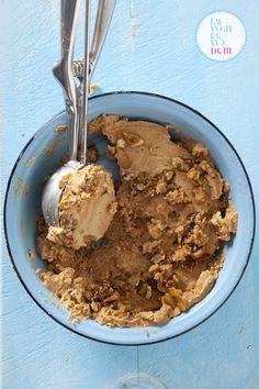 domowe-lody-weganskie - mleko kokosowe i masło orzechowe Healthy Sweets, Healthy Snacks, Polish Recipes, Homemade Ice Cream, Ice Cream Recipes, No Bake Desserts, Vegan Recipes, Health Recipes, Vegan Food