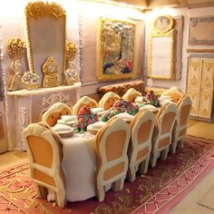 One UK company has taken holiday baking to the next level. London-based cookie company Biscuiteers constructed a six-foot long replica of an English manor house; and while its size is impressive, the details are breathtaking. Cool Gingerbread Houses, Gingerbread House Designs, Christmas Gingerbread House, Holiday Baking, Christmas Baking, Christmas Fun, House Seasons, English Manor Houses, Cookie House