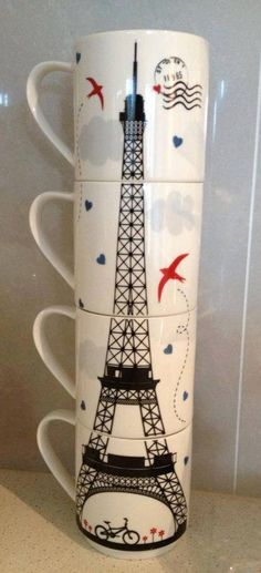 Eiffel Tower mug set