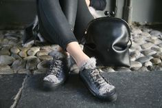 In love with Henry Beguelin! Sneaker Fur Ranch Laminated Cenere and Clara U Affi Black bag!
