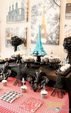 Décor at a Paris Party #paris #partydecor