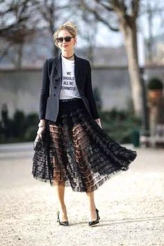 All The Times Chiara Ferragni Was Best Dressed At Fashion Week BAZAAR rounds up Chiara Ferragni's most memorable street style looks. 80s Fashion, Look Fashion, Fashion Beauty, Autumn Fashion, Womens Fashion, Fashion Design, Milan Fashion Weeks, Fashion Hair, Modest Fashion