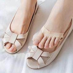 Foot Pain Relief, Soft Feet, Toe Socks, Foot Pads, Cool Things To Buy, Stuff To Buy, Honeycomb, Soft Fabrics, Peep Toe