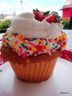 Strawberry Shortcake Cupcake (Boardwalk Bakery)