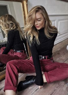 Velvet pants in red and large glasses women fashio style outfit more styles : www.instagram.com/vv.moodboard