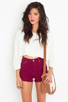 Fashion outfit white crop top and dark red high waisted shorts Summer Outfits, Cute Outfits, Summer Clothes, Summer Skirts, Oufits Casual, Fashion Moda, Teen Fashion, Korean Fashion, Models