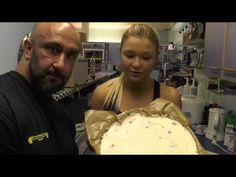 Weltmeister Rezepte: Protein-Käsekuchen für Muskelaufbau und Fettabbau feat. Sophia Thiel - YouTube