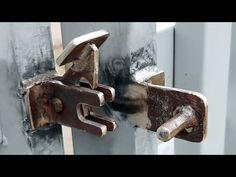 Grill Gate Design, House Main Gates Design, Door Gate Design, Garage Door Design, Barn Door Latch, Gypsum Ceiling Design, Wrought Iron Decor, Steel Art, Metal Working Tools