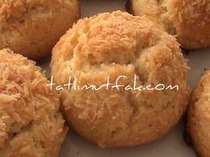 En çok sevdiğim kurabiyelerimden biri de hindistancevizli kurabiye. Tadı çıtır çıtır, tam bir pastane kurabiyesi gibi oluyor. Bu kurabiyelerimin bir öze...