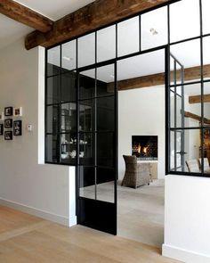 Стеклянная перегородка - отличное решение для зонирования в любом помещении #inspiration #enjoy_home