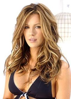 Kate Beckinsale Light Brown Hair Color With Blonde Highlights Brown Hair With Blonde Highlights, Hair Color Highlights, Caramel Highlights, Dark Blonde, Summer Highlights, Chunky Highlights, Blonde Streaks, Caramel Blonde, Natural Highlights