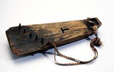 """Pääluettelo: Kannel, kannöl ́gen, kandlö. Tämä soitin alkaa olla jo setukaiskylissä harvinainen;  """"jarmulit"""" ja """"kiika"""" """"lurvas"""" (harmonikkaa ja viulua s... Having A Bad Day, Musical Instruments, Medieval, Oc, Spiritual, Children, Board, Inspiration, Instruments"""