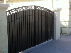 6 Artistic Cool Tips: Glass Fence Stairs steel fence deck railings.Fence Sport Posts brick fence with iron.Brick Fence With Iron. Metal Fence Gates, Iron Gates Driveway, Brick Fence, Front Gates, Wrought Iron Gates, Entrance Gates, Fence Art, Fence Stain, Stone Fence