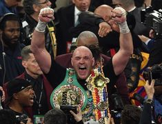 Tyson Fury's promoter Frank Warren has raised the prospect of paying Deontay Wilder to step aside and enable a blockbuster heavyweight unification bout with Anthony Joshua this summer. Top Rank Boxing, Title Boxing, Anthony Joshua Fight, World Boxing Council, Bronze Bomber, Frank Warren, Deontay Wilder, Mgm Grand Garden Arena, Tyson Fury