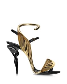 Designer Website: www.safasahin.com By Chalany High Heels August 14, 2015  Related PostsManolo Blahnik Collaborations Spring-Summer 2015 These New Japanese-Inspired Shoes Can …