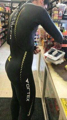 """Vortex surfer 🏄 sporting his wetsuit so well. Triathlon Wetsuit, Sport Fashion, Mens Fashion, Tennis, Hunks Men, Mens Attire, Lycra Spandex, Gym Wear, Skin Tight"