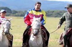 ¡CINISMO! Tras destrozar al país, Maduro envía muy sonriente su mensaje de Fin de Año (+Video) - http://www.notiexpresscolor.com/2017/01/02/cinismo-tras-destrozar-al-pais-maduro-envia-muy-sonriente-su-mensaje-de-fin-de-ano-video/