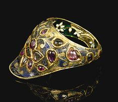Imran Hussaini: mughal/inspired jewelry, other antique indian jewelry, and misc. Antique Rings, Antique Jewelry, Vintage Jewelry, Antique Gold, India Jewelry, Tribal Jewelry, Green Chevron, Ancient Jewelry, Thumb Rings