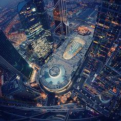 Москва, ММДЦ «Москва-Сити», Красота! World Largest Country, Earth View, Timorous Beasties, Unusual Buildings, City Scene, Largest Countries, Urban Life, Night Time, Empire State Building