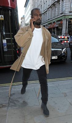The Kanye West-Approved Fashion Trend You'll Want to Try via Top brand Men's wears - Footwears, Clothes, belts, shades. Kanye West Outfits, Kanye West Style, Kanye West Fashion, Kanye West Clothing, Men With Street Style, Men Street, Street Wear, Fashion Moda, Teen Fashion