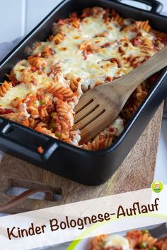 Bolognese casserole with pasta and vegetables for children - My .- Recipe for Bolognese casserole with pasta and vegetables for children – Meine Stube. Also perfect for pre-cooking. Ideal family meal and lunch. Crock Pot Recipes, Casserole Recipes, Baby Food Recipes, Pasta Recipes, Chicken Recipes, Dinner Recipes, Pasta Casserole, Dinner Ideas, Cooking Recipes