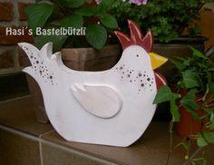Deko-Objekte - Huhn Franzi aus Holz im Shabby-Chic - ein Designerstück von Hasis-Bastelbuetzli bei DaWanda