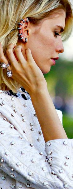 Street style What Is Hot, Step Inside, Fashion Editor, Head To Toe, The Ordinary, Fashion Accessories, Glamour, Street Style, Drop Earrings