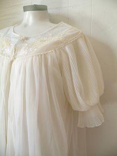 Night Gown Peignoir Set in Wedding White Sleep Set, Wedding White, Night Time, Nightwear, Lace Detail, Night Gown, Hemline, Ruffles, Vintage Outfits
