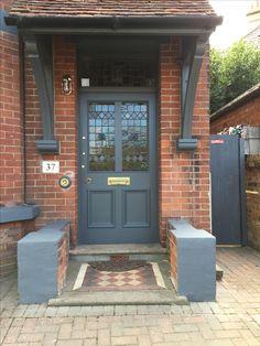 Ideas Exterior Paint Colors For House Gray Dark Farrow Ball Victorian Homes Exterior, Victorian Front Doors, Victorian House, Cottage Exterior, Victorian Terrace, Painted Front Doors, Painted Stairs, Grey Exterior, Exterior Design