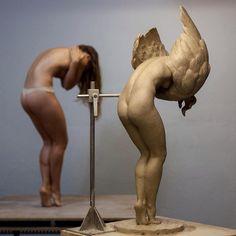 Odette, work in progress, clay, 68 cms. @coderch.malavia.sculptors .