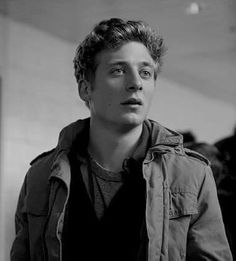 """Jeremy Allen White as Phillip """"Lip"""" Gallagher in Shameless The Professional Movie, Jeremy Allen White, Shameless Tv Show, Ian And Mickey, Cameron Monaghan, Celebrity Crush, Pretty Boys, Actors & Actresses, Beautiful Men"""